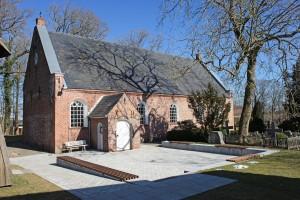 Stedesander Kirche aussen