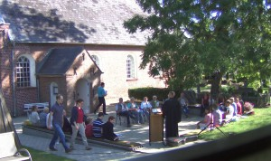 Gottesdienst draußen Stedesand